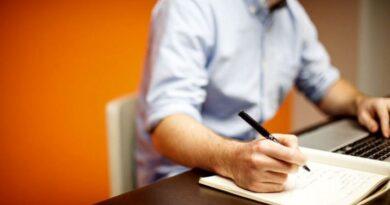 Rescrierea de articole poate fi o munca la domiciliu foarte bine remunerata.